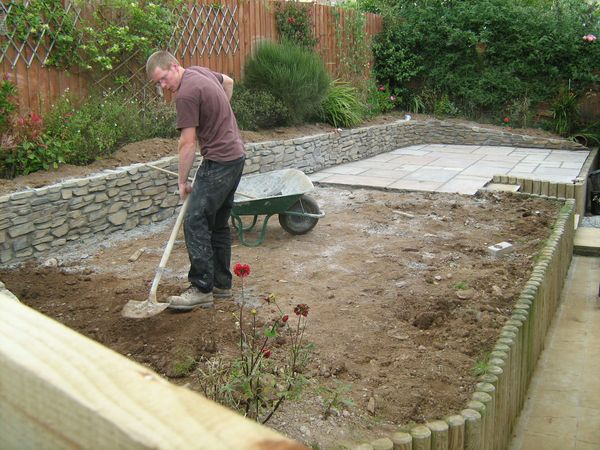Landscaping project wildish burncoose nurseries for Easy gardens to maintain
